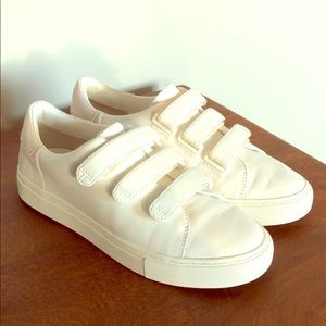 Tory Burch white Sneakers size 8.5